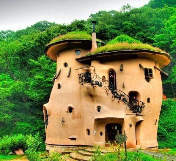 5 maisons cologiques extraordinaires que vous pouvez faire vous m me - The cob house the beauty of simplicity ...