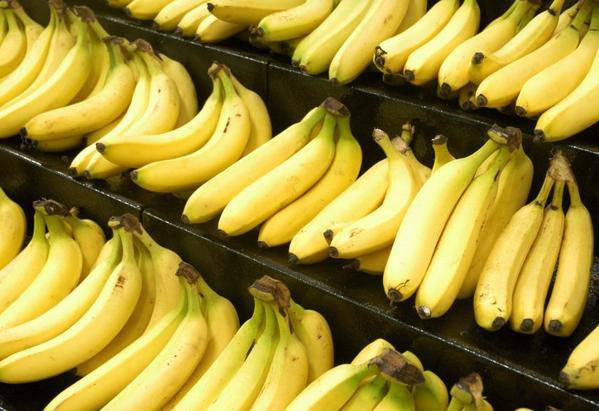 manger des bananes