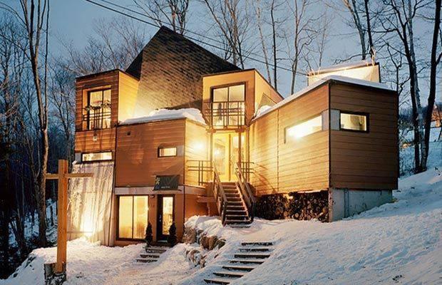 23 maisons magnifiques surprenantes construites partir de conteneurs. Black Bedroom Furniture Sets. Home Design Ideas