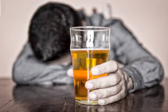 Les cliniques de la dépendance alcoolisée à abakane