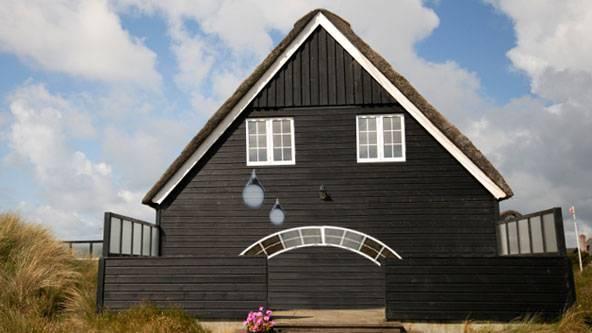nettoyage de la maison simple vue arienne de produits de nettoyage de la maison place sur bois. Black Bedroom Furniture Sets. Home Design Ideas