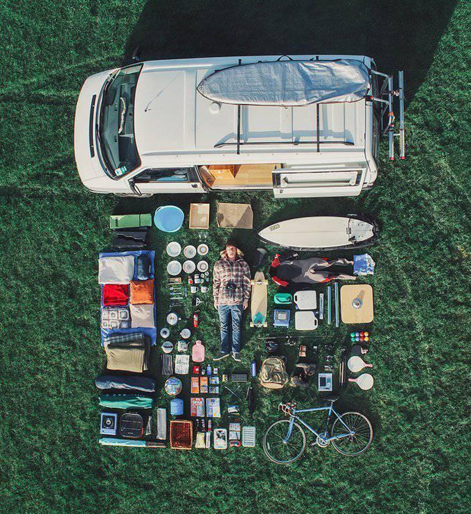 ce couple a tout quitt pour vivre dans un van et faire le tour du monde familydeal. Black Bedroom Furniture Sets. Home Design Ideas