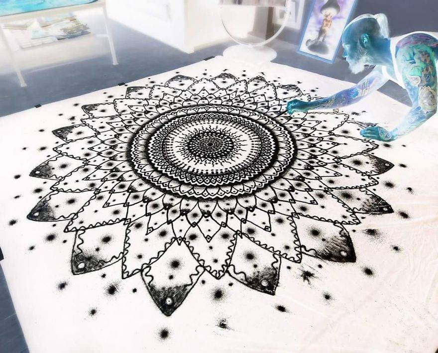 Creating-art-with-kitchen-SALT-575a6cace9b8c__880