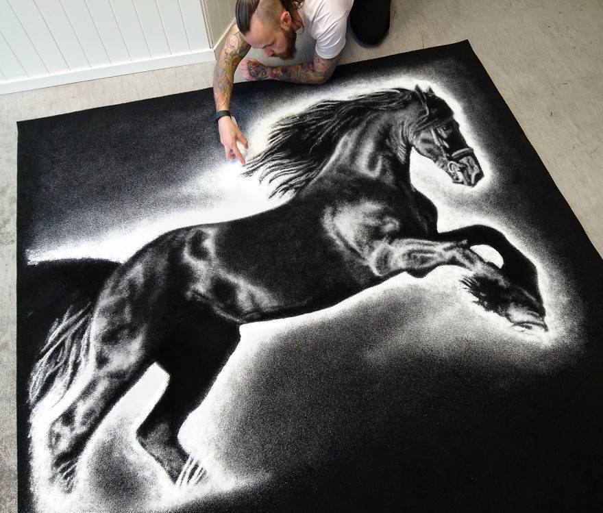 horse-saltttt-copy-57592c5a88a89__880