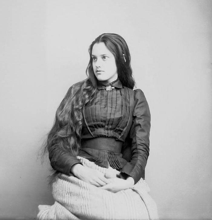 vintage-native-american-girls-portrait-photography-14-575a716bc859c__700amérindiennes-amérindiennes