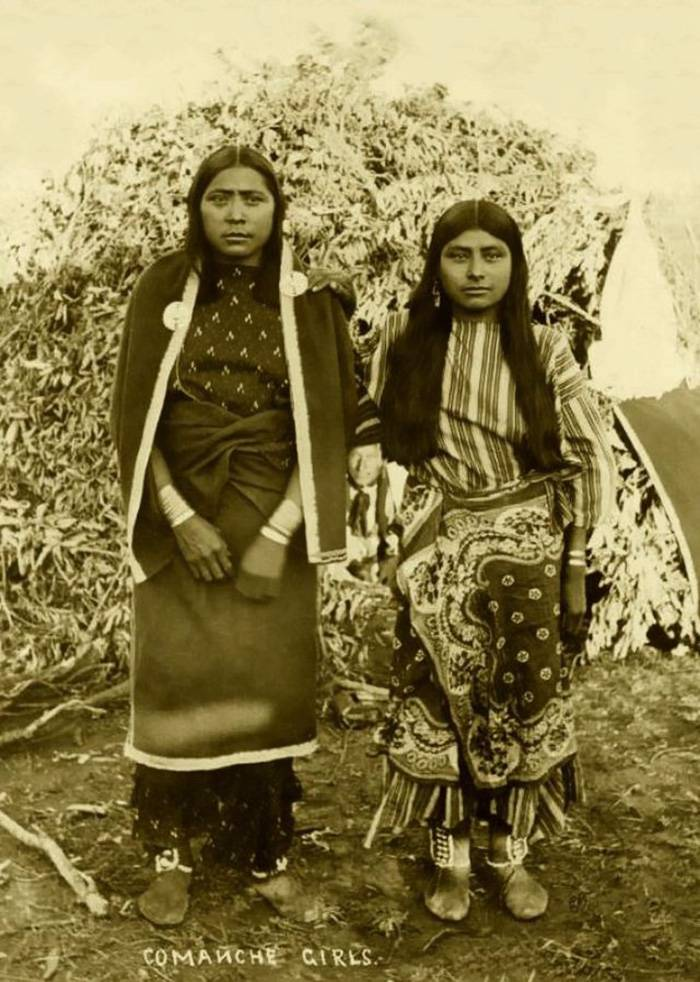 vintage-native-american-girls-portrait-photography-21-575a783e9c37a__700amérindiennes-amérindiennes
