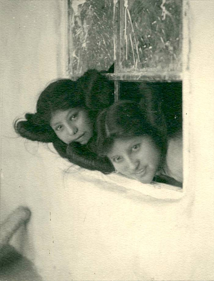 vintage-native-american-girls-portrait-photography-27-575a7de6030ea__700amérindiennes-amérindiennes