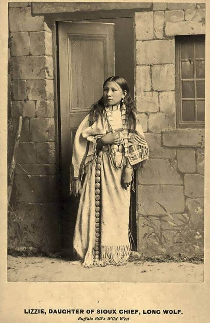 vintage-native-american-girls-portrait-photography-33-575a83c7c9fdf__700amérindiennes-amérindiennes