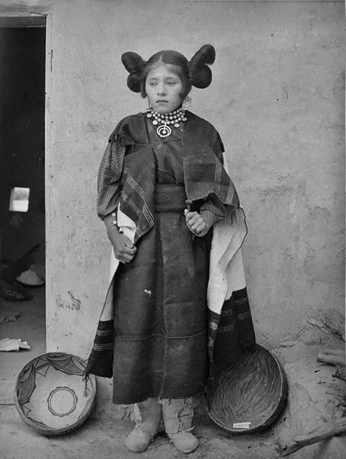 vintage-native-american-girls-portrait-photography-34-575a8456cb4c8__700amérindiennes-amérindiennes