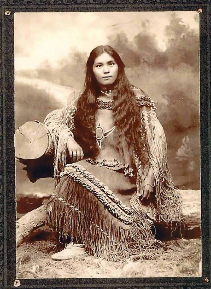 vintage-native-american-girls-portrait-photography-4-575a628b4db32__700amérindiennes-amérindiennes