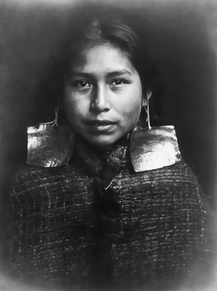 vintage-native-american-girls-portrait-photography-5-575a647dc2266__700amérindiennes-amérindiennes