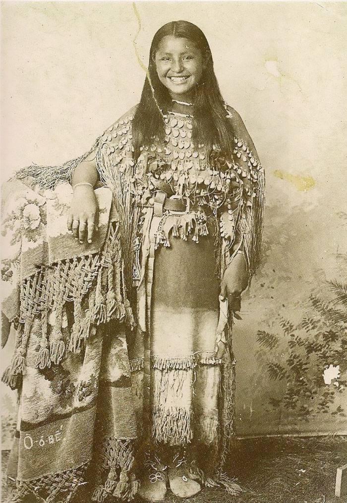 36 portraits saisissants de jeunes filles amérindiennes de la fin des années 1800 au début des années 1900