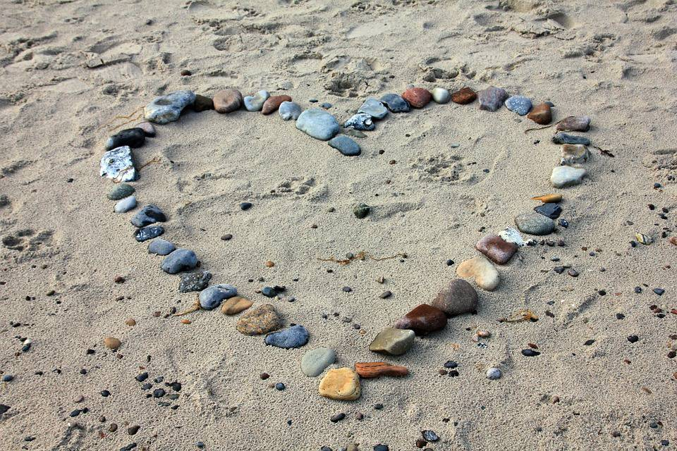 beach-193786_960_720