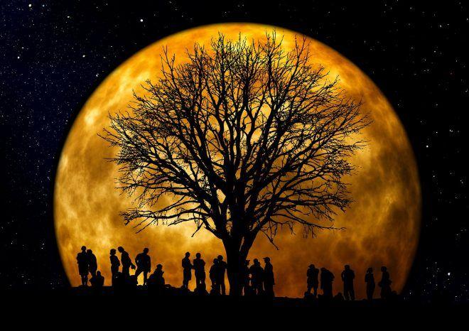« L'extra Super Lune » du lundi 14 novembre. Voici comment elle peut affecter votre vie. Extra-Super-Lune-660x466