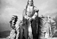 États-Unis s'est faite au détriment des premiers habitants du continent : les Indiens d'Amérique. Depuis la soit disante découverte de cette terre par Christophe Colomb en 1492,