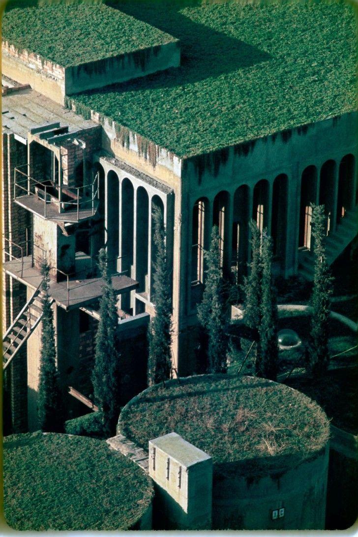 usine de ciment en une maison
