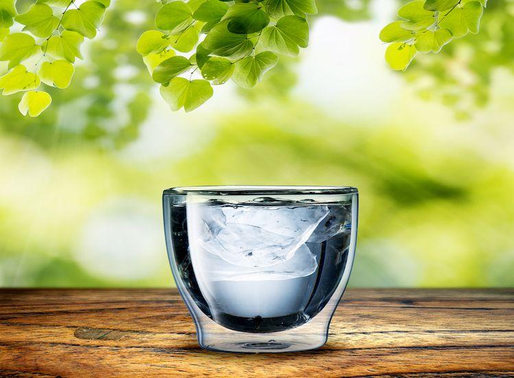 élever la vibration de l'eau