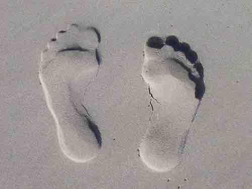 superstition des pieds qui démangent
