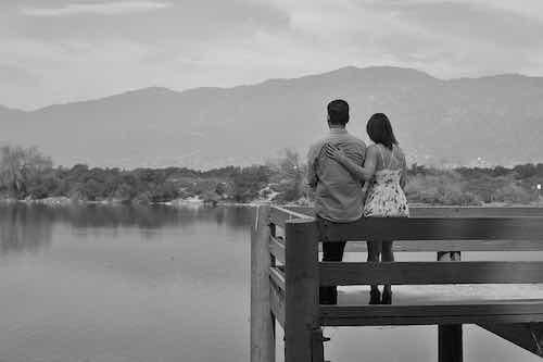 4 signes du zodiaque qui gardent souvent rancune dans les relations, car lâcher prise peut être difficile pour eux