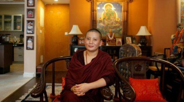 nonne bouddhiste rock star
